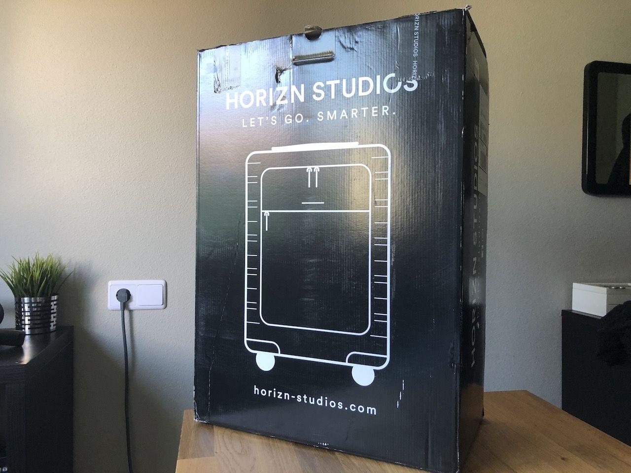 horizn studios model m caja