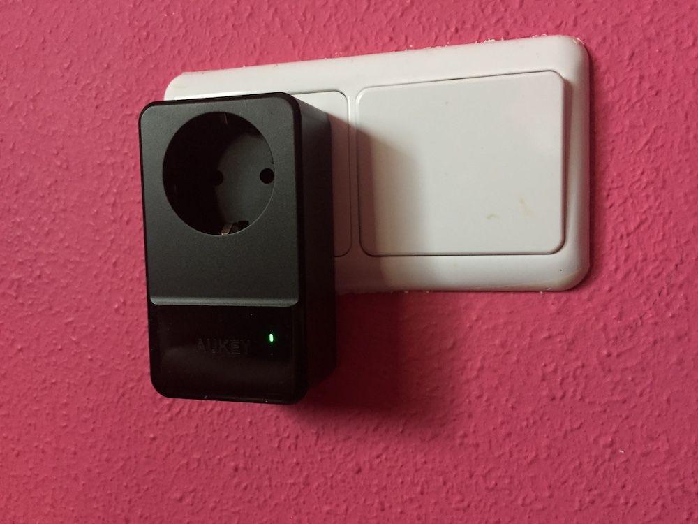 AUKEY Cargador USB pared