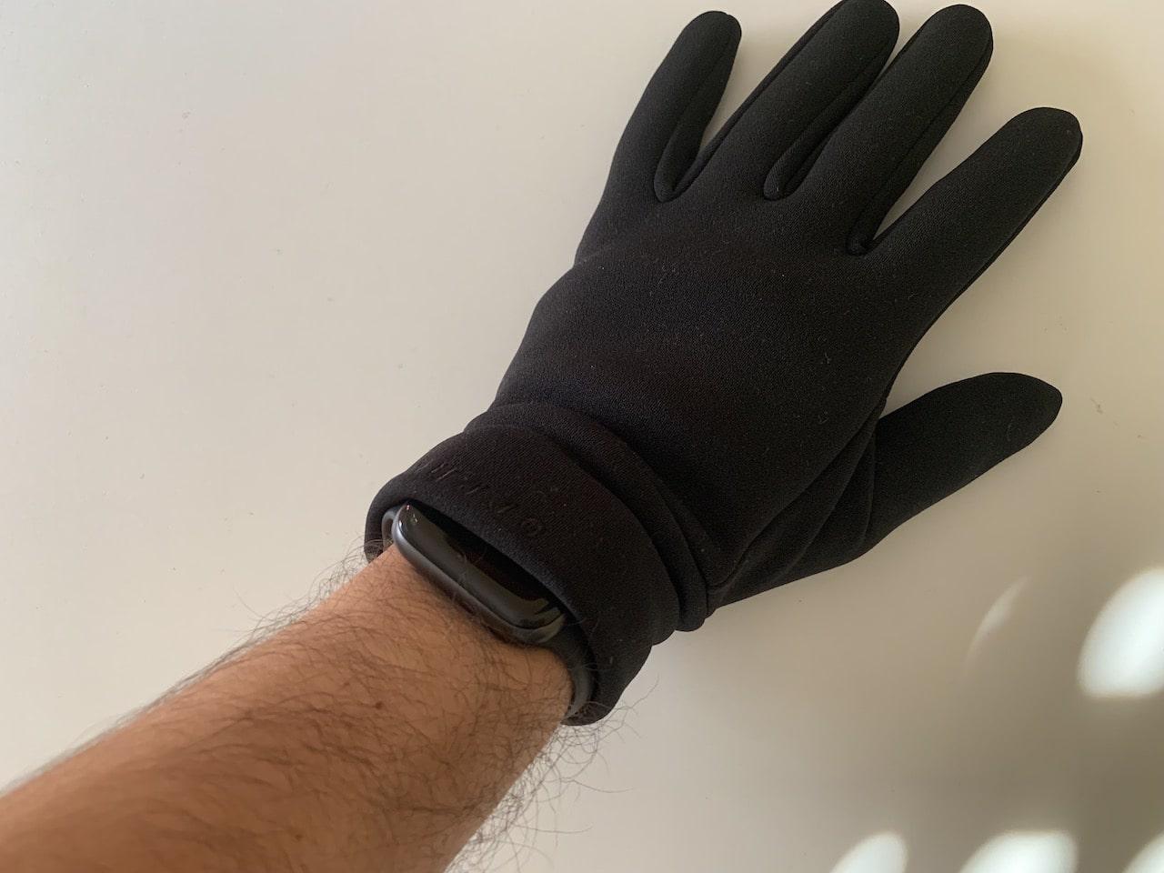 guantes all new mujjo puesto